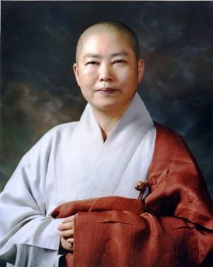 제9회 반야학술상 수상자로 선정된 본각스님.