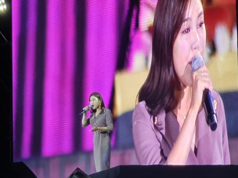 미스트롯 송가인의 공연 모습.