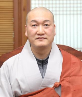 신임 승려복지회 사무국장 법오스님.